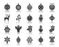Sistema del vector de los iconos de la silueta del negro de la decoración del árbol de Navidad stock de ilustración