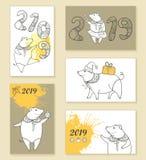 Sistema del vector de tarjeta y de carteles de felicitación con el cerdo del esquema en amarillo en colores pastel y beige aislad Fotos de archivo libres de regalías