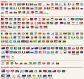 Sistema del vector de todas las banderas del mundo dispuestas en orden alfabético y destacadas por los continentes ilustración del vector