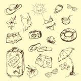 Sistema del vector del viaje del verano y emblemas y símbolos de las vacaciones Imagen de archivo libre de regalías