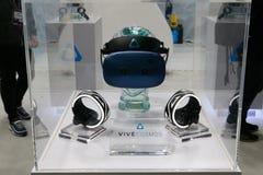 Sistema della cuffia avricolare dell'universo VR di Vive indicato al congresso 2019 di Mobile World a Barcellona fotografie stock