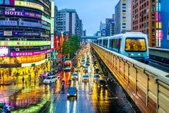 Sistema della metropolitana di Taipei alla notte Fotografia Stock
