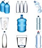 Sistema fotorrealista de la botella de agua y de los vidrios Imágenes de archivo libres de regalías