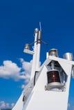 Sistema di navigazione dell'antenna e sicurezza di un yacht Fotografia Stock Libera da Diritti