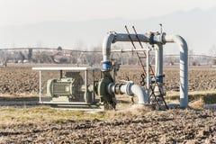 Sistema di pompaggio dell'acqua di irrigazione Immagine Stock Libera da Diritti