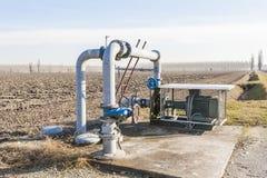 Sistema di pompaggio dell'acqua di irrigazione Immagini Stock Libere da Diritti