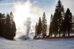 Sistema di Snowmaking artificiale Fotografie Stock Libere da Diritti