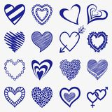 Sistema dibujado mano de iconos del corazón en un papel a cuadros stock de ilustración