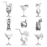 Sistema dibujado mano del vector de cócteles y de alcohol Fotos de archivo