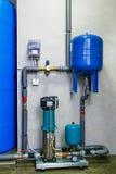 Sistema do tratamento de águas residuais do local com sensores e indicadores Foto de Stock