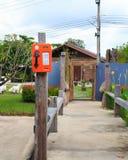 Sistema duplo do telefone público em Tailândia, em cartão e em moeda Fotos de Stock