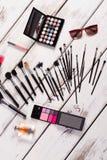 Sistema elegante de cosméticos femeninos Imagen de archivo libre de regalías