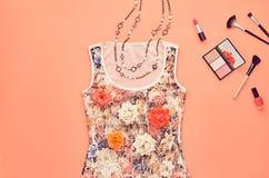 Sistema elegante de la moda Esencial cosmético mínimo Foto de archivo libre de regalías