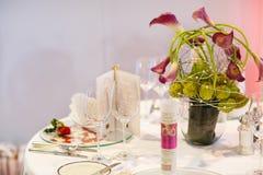 Sistema elegante de la tabla para el partido el casarse o del evento Fotografía de archivo libre de regalías