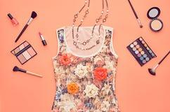 Sistema elegante del encanto de la moda Esencial cosmético Fotos de archivo libres de regalías