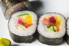 sistema grande con el sushi y los rollos fotos de archivo libres de regalías