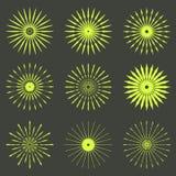 Sistema grande de formas retras de la explosión de Sun Logotipo del vintage, etiquetas, insignias Fotos de archivo