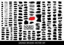 Sistema grande de pintura negra, movimientos del cepillo de la tinta, cepillos, líneas Elementos artísticos sucios del diseño, ca imagen de archivo libre de regalías