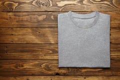 Sistema gris en blanco de la maqueta de la camiseta Fotografía de archivo libre de regalías