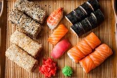 Sistema japonés del sushi Imagenes de archivo