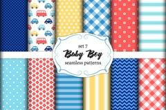 Sistema lindo de modelos inconsútiles del bebé escandinavo con texturas de la tela stock de ilustración