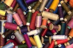 Sistema multicolor de hilos retros imagenes de archivo