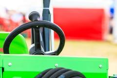Sistema operativo sulla grande macchina agricola industriale Fotografie Stock