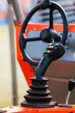 Sistema operativo sulla grande macchina agricola industriale Fotografia Stock Libera da Diritti