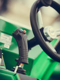 Sistema operativo sulla grande macchina agricola industriale Fotografia Stock