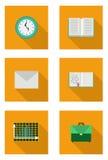 Sistema plano con el libro, cartera, sobre, cuaderno, carta imagen de archivo libre de regalías