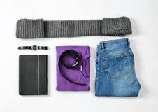 Sistema plano de la endecha de ropa y de accesorios masculinos elegantes Fotos de archivo