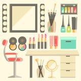 Sistema plano del lugar de trabajo del trabajador s del maquillaje del vector Espejo, co decorativo Foto de archivo libre de regalías