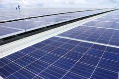 Sistema solar del picovoltio del tejado foto de archivo