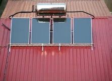 Sistema solar do calefator de água imagens de stock
