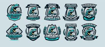 Sistema, una colección de emblemas coloridos, logotipos, rapaz peligroso listo para atacar, las garras agudas de un dinosaurio de stock de ilustración