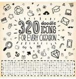 Sistema universal de 320 iconos del Doodle Imagenes de archivo