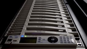 Sistemas de alimentación ininterrumpida Servidor de UPS Sensor de la luz del servidor del centelleo metrajes