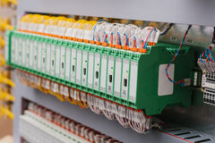 Sistemas de control de proceso automatizado, fuentes de alimentación, regulador Equipo de alta precisión para el uso en la indust Fotografía de archivo libre de regalías