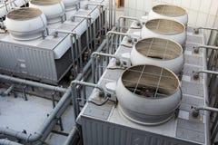 Sistemas de ventilación en el top del tejado imágenes de archivo libres de regalías