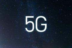 Sistemas inal?mbricos de red del icono 5G y Internet de cosas Extracto global con la red de comunicaciones inal?mbrica foto de archivo libre de regalías