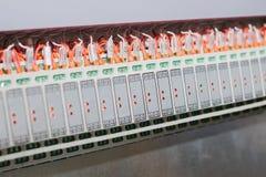Sistemi di controllo produzione automatizzati, alimentazioni elettriche, regolatore Attrezzatura di alta precisione per uso nel s Fotografia Stock Libera da Diritti