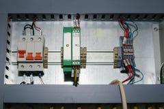 Sistemi di controllo produzione automatizzati, alimentazioni elettriche, regolatore Attrezzatura di alta precisione per uso nel s Fotografia Stock