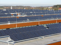Sistemi fotovoltaici sui tetti Betiebs Fotografia Stock