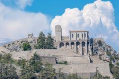Sisteron коммуна в отделе Alpes-de-Haute-Провансали стоковое фото rf