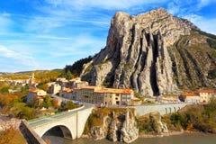 Sisteron Γαλλία Προβηγκία-Alpes-υπόστεγο Στοκ φωτογραφία με δικαίωμα ελεύθερης χρήσης