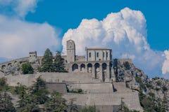 Sisteron is een commune in de afdeling van Alpes-De-Haute-Provence stock foto
