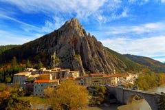 Sisteron france Provence-Alpes-skjul Arkivbild