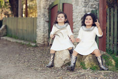 Sisters amazed Royalty Free Stock Photography
