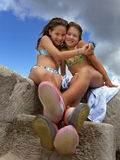 Sisters love 2 Royalty Free Stock Photography