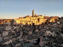 Site de patrimoine mondial de l'UNESCO de Matera - coucher du soleil dans Basilicate, Italie du sud image stock